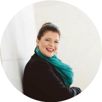 Sarah Kornblett Waldbuesser Headshot circle